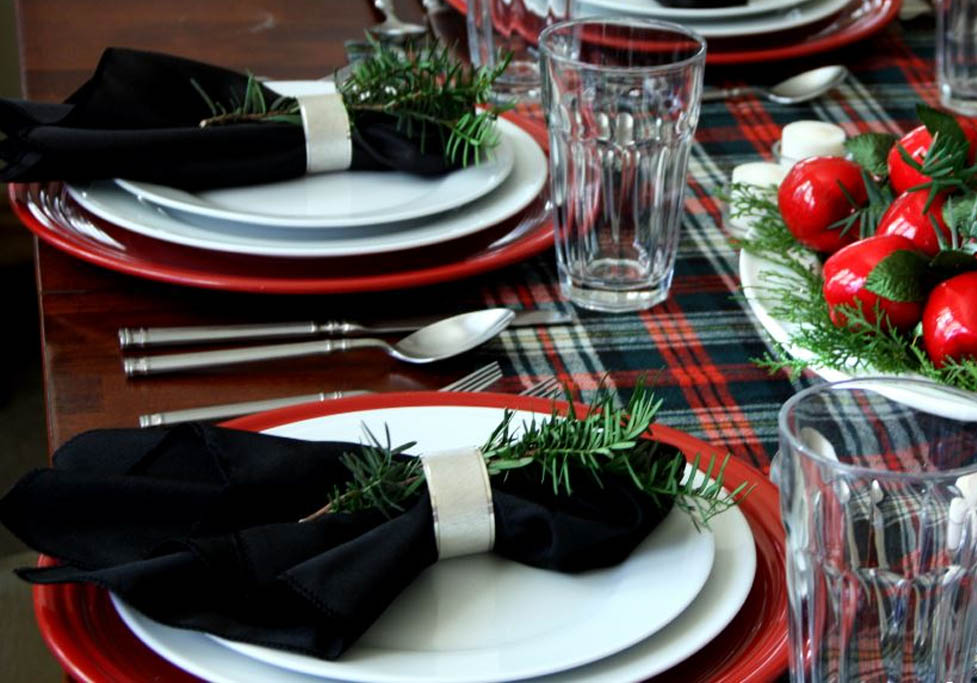 dress the dinner table with stain-free linens