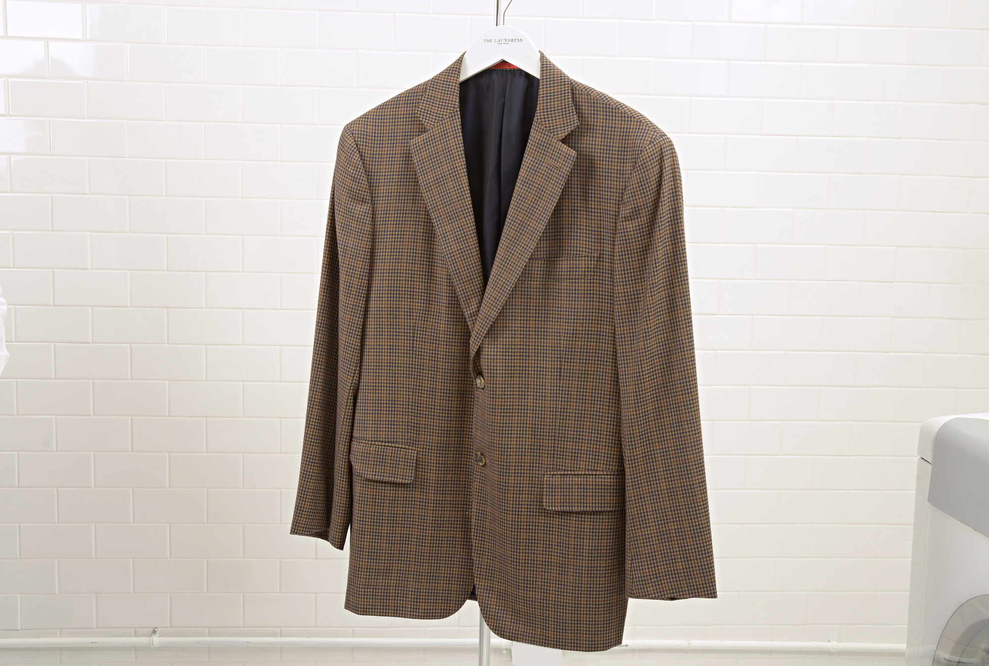 CMSPage_How to Clean a Blazer_IMAGE_01