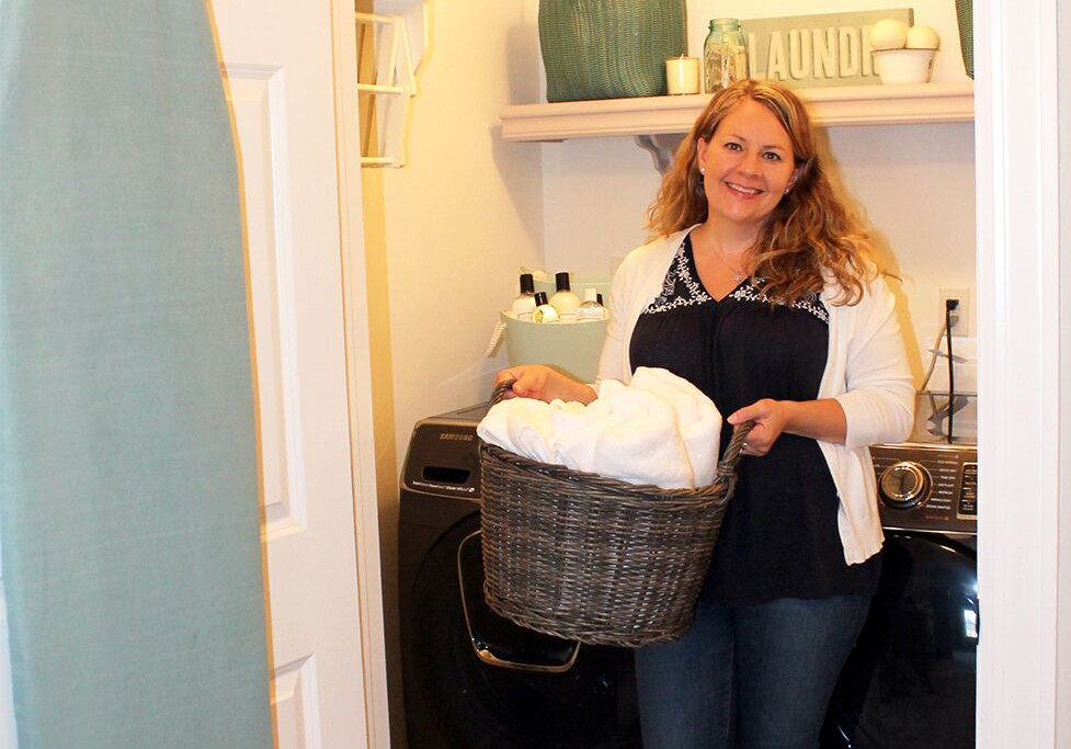 i am the laundress | becky rapinchuk
