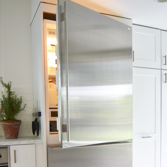 How to Clean Refrigerator and Freezer
