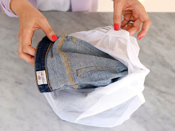 CMSPage_How-To | Care for Denim_ONE_SIZE_IMAGE_01