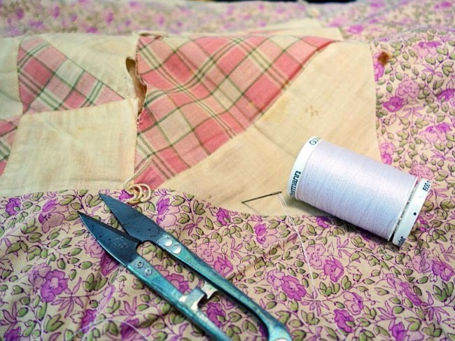 CMSPage How-To | Care For Quilts & Heirlooms ONE SIZE IMAGE 01