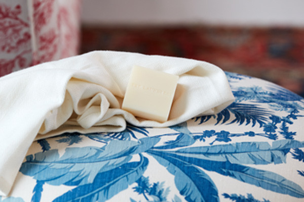 how to remove stains from slip covers